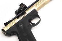 Pistols / Pistols and revolvers