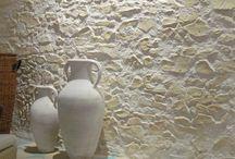 Mediterrane Steinwände / Mediterrane Wandgestaltung im Innen- und Außenbereich mit Kunststeinpaneelen oder Verblendsteinen