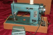Sewing Machines / by Cheryl Fogg