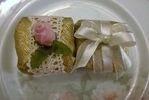 Delícias da Abelha Rainha / Pães de mel, bem casados, cupcakes e bolos artísticos da Abelha Rainha - Atelier de Delícias. http://abrainha.wordpress.com/ facebook.com/abelharainhadelicias 31 8898-4998 (Oi - wpp)