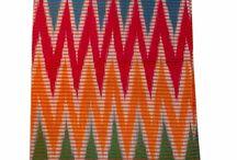 Tenun Rangrang / Koleksi kain tenun tradisional rangrang dibuat menggunakan mesin tenun tangan