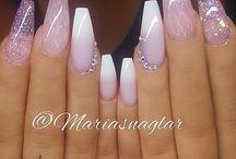♀️ Hair and nails