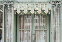 Puertas farmacias / by Eugenia Olmos Ribes