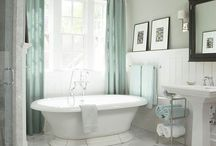 Gorgeous Bathrooms / by Andrea Cordts
