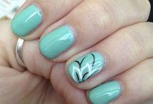 nails & accessories / by Mikayla Kuzma