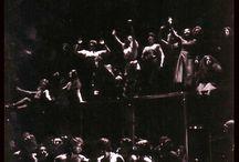 """MES PROD: FLIEGENDE HOLLÄNDER / En 1982 il me fut offert de mettre en scène et de décorer """"Le Vaisseau Fantôme""""  Je le situais à New-York dans les années 80. Ce fut à la fois un énorme scandale et un colossal succès : les partis en présence dans la salle en vinrent presque aux mains !!! Un homme de théâtre déclara bien longtemps après que j'avais vingt ans d'avance !"""