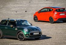 TEST Mini Cooper versus Ford Fiesta Red Edition – Taste the Rainbow