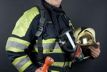Brandweermannen en vrouwen... / Een project van 7 korpsen op de foto