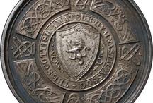 Медаль, медальон, орден / medalla