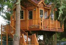 """Treehouses / I have begun following the """"New"""" tree house styles. Love Pete Nelson the Treehouse man!!"""