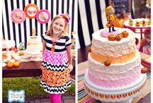 HALLOWEEN BIRTHDAY PARTY / by Leslie Gulla Charney