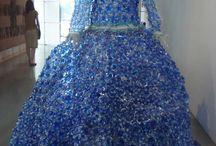 kjole af plastflasker