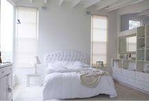 Déco chambre / Idées déco pour une chambre sobre, un brin romantique.