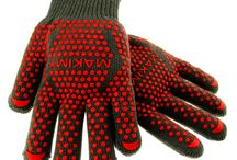 Makimy Gloves - 2 Professional Premium Barbecue Cooking Heat Resistant Gloves / The Best Silicone Heat Resistant Grilling BBQ Glove.You will no longer have to worry about burning yourself while grabbing and preparing hot foods. With our gloves you'll be able to retrieve hot pots and pans in the kitchen with confidence!