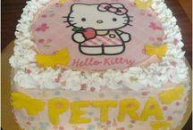 Hello Kitty torták / Hello Kitty torták egy csokorba gyűjtve. Válaszd ki a neked tetszőt!