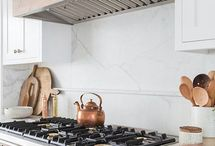 2018 | Trends / Nautral Material, Mixed Metallics, Pastel Appliances, Bold Brights and more...these are trends to watch out for in 2018!!