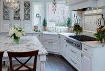 Kuchnia / Piękna,biała kuchnia.
