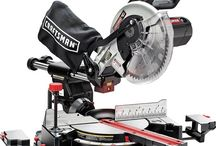 Craftsman 10″ Single Bevel Sliding Compound Miter Saw / The Craftsman 10″ Single Bevel Sliding Compound Miter Saw is a lightweight, convenient and precise cutting tool that can be used to slice through thick materials. It's versatile and can be used both at a home shop and job site.