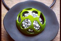 FIMO - galerie: vrtané, plastické, s drátky a korálky