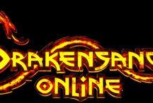 Drakensang-Online / Drakensang Online jako gra online wchodząca w skład popularnej sagi oferuje graczom wiele możliwości zabawy. Począwszy od walki z potworami, poprzez przemierzanie wciągającego świata, a to wszystko opatrzone nienaganną oprawą graficzną.