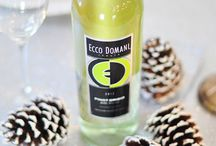 Winter & Holiday Upgrades with Ecco Domani Wine / Happy Holidays Ecco Domani Wine lovers! Pour a glass and browse our shared posts about easy holiday upgrades, decorating tips, and simply fabulous DIY gifts!