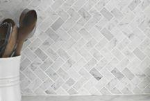 White kitchen & marble details