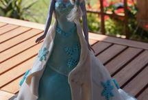 Gâteau poupée reine des neiges