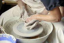Ateliers et stages poterie, céramique, sculpture / L'atelier et les stages de poterie-céramique aux ateliers de la rue Raisin. Tournage, émaillage, raku, cuissons, décoration, etc.