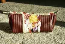The Woman on the Hill - Sewing projects / Zipper leather pouch, based on Ayumi's instructions (Pink Penguin). / by Yiya Cucuy