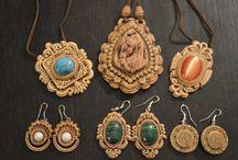 Amuletos y Talismanes / Amuletos y talismanes de poder que puedes conseguir en http://newcenturybooks.com/es/talismanes-y-amuletos-de-poder/
