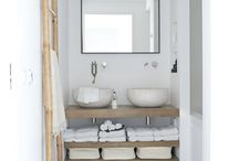 BathRooms / by Luz Ezcurra