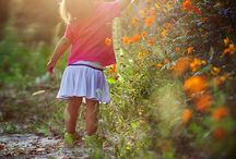 Spring Photography / Spring photography ideas, minis and tips for Photographers. Plan your spring photo shoot.