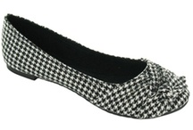 Houndstooth / by Donna Perdue Fiquett