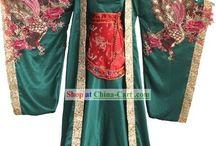 Prendas: Asia / Hanfu, Qipao, Kimono, HanBok... También cualquier prenda inspirada en ropa tradicional de origen asiático.