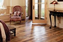 Wood floors / Underfloor heating is the ideal heating system for use under beautiful wood floors.