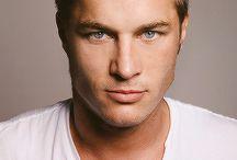 Travis Fimmel attore