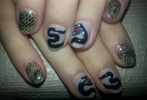 nails snake