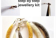 Jewellery projects / DIY jewellery projects, ideas, kits & tutorials for adults. Learn the techniques, find inspiration and get making jewelry! From wire to beads, necklaces, bracelets, rings & earrings…