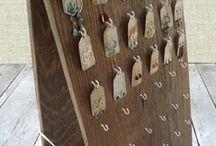 Présentation de bijoux et stands de marché / présentation de bijoux