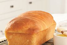 Bread and Muffin Recipes / by Michelle McElwaney