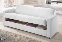 Mettiti comodo / Rilassati e concediti un momento tutto per te con i nostri divani.