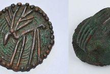 Amlash bronze rings with figurines / Amlash bronze ring - Luristan bronze ring - Bactrian bronze ring - Persian bronze ring - Embraced figurines