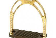 Стремена Jin - Карат / Лучшие всех-  квинтэссенция престижа и люкса - Стремяна Jin - Карат, покрытые 24-каратного золота толщиной 30 микрон и оснащены индивидуальным комплектом оригинальных Swarovski Crsytals. 100% Сделано в Италии.
