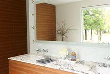 Bathrooms / Bathrooms designed by Riesco & Lapres