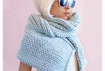 A-knitting () woman