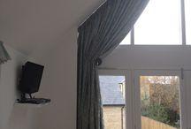 Curtains for diamond window