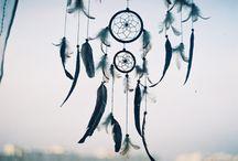 Dreamcatchers. / I love them <3.