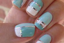 Color blocked nail art - inspiracje / M.in. pomysły na stylizacje paznokci z wykorzystaniem tasiemek.