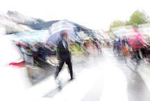"""Exhibition """"KEINAZ"""" / """"Chuva, chuva fraca, chuva chata, chuva intensa, chuva que nos prende em casa, ar humedecido, pingos minúsculos, pingos grossos, aguaceiros, chão molhado, carros devagar, vidros embaçados, chapéus virados, jardins transformados em lagos, enfim chuva. Chuva foi o ponto de partida para esta série de trabalhos do artista francês Keinaz"""" José Roberto Moreira - Curador e Galerista."""