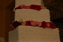 wedding cakes / by Elle Palmer